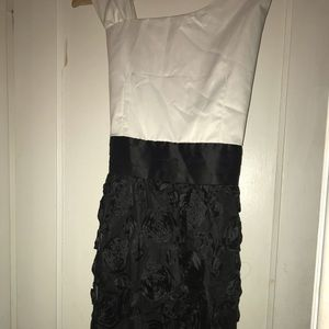 Other - Pre-Teen Black & White Flower Dress
